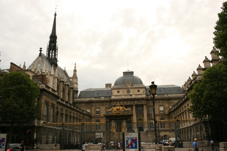 Outside view of Sainte-Chapelle