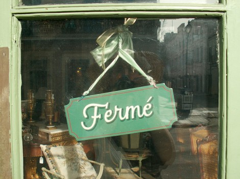 Fermé = Closed